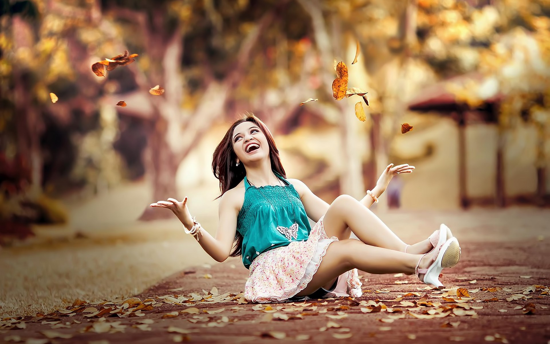 6976135-beauty-girl-road-leaves-autumn