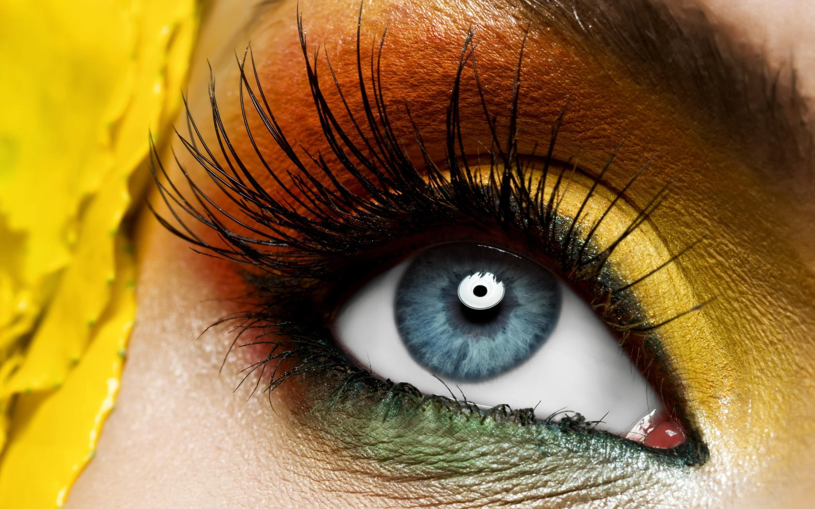 yellow_eye_make_up-1680x1050