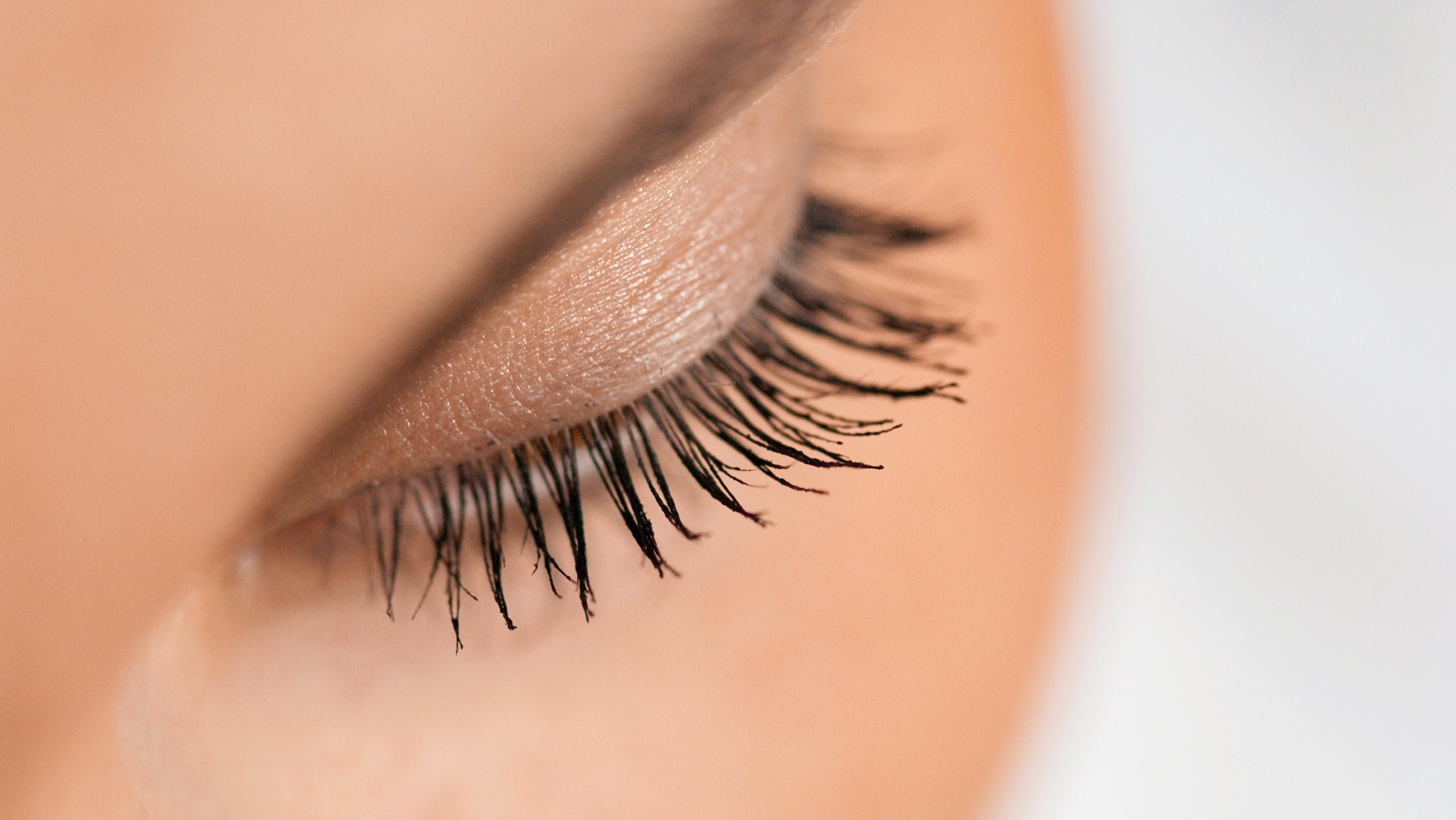 eyelashes-today-170424-tease_ef671d666506ad4c9ca1639c041a527a